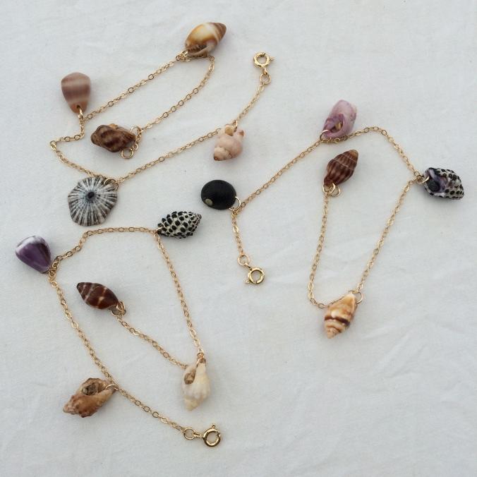 SeasTheLove Shell bracelet