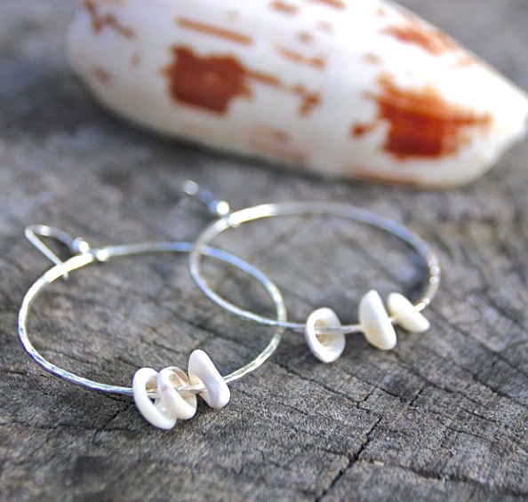 SeasTheLove Puka Shell Hoop earring